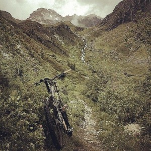 Guided Tignes Mountian biking to Bourg Saint Maurice